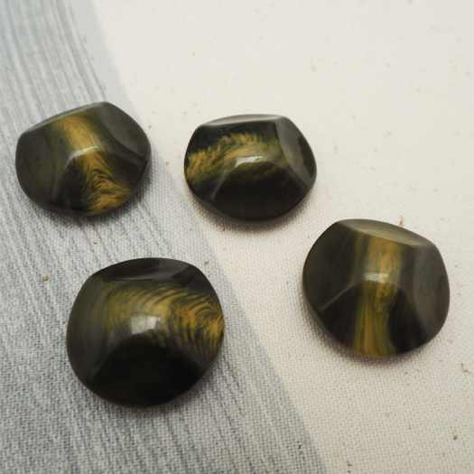 Greenery resin button 26mm