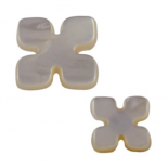 White Mother-of-pearl Puzzle button 13-20mm