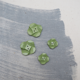 Square Green flower Button 15mm