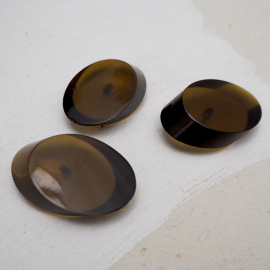 Brown resin pastille button 27mm
