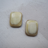 Horn rectangle sewing button 21mm