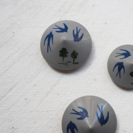 Conical Resin Button Swallow 22mm