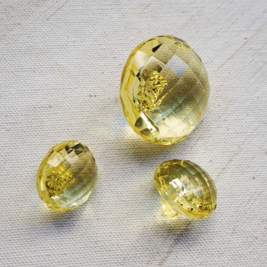 Diamond Yellow Round Resin Button 23-28mm
