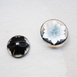 Round Resin Button Flower Pop 23-28mm