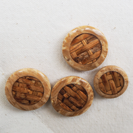 Check pattern wooden resin button 20-25mm