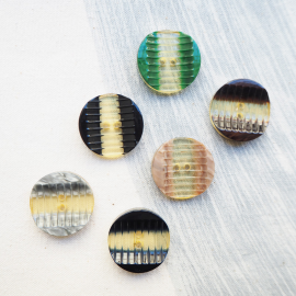 Multicolored Resin Button Wavy 27mm