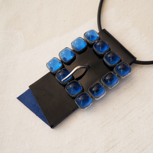 Short Designer Necklace Blue Lagoon Cravateen