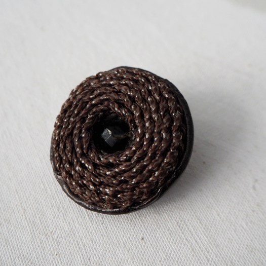 Design Large Brown Button Palazzo 43 mm