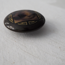 Large Brown Design Button Olympia 45 mm