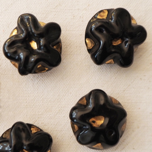 Design Coat Button Black Flower 22mm