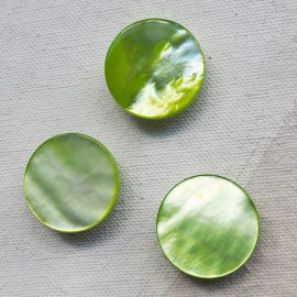 Jewel Button MOP Spring Green 20mm