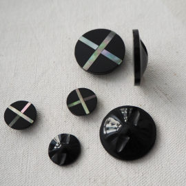 Black Border button 13-23mm