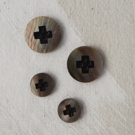 Design Shell Button Brown 15-23mm