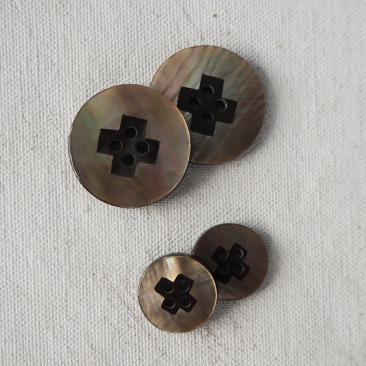 Bouton Nacre Design Marron 15-23mm