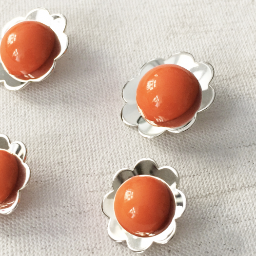 Pop Fancy Orange Flower Buttons 17-21mm