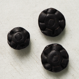 Brown Leather Glazed Button 22-28mm
