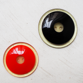 Poppy red coat button 38mm