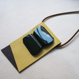 Design Necklace Leather and Galalith Resin Green Imperial