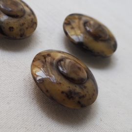 Beautiful beige brown speckled buttons 35mm