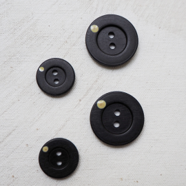 Hat ebony button 18-25mm