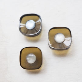 Design Button Square Lucite Amber Bronze 22mm