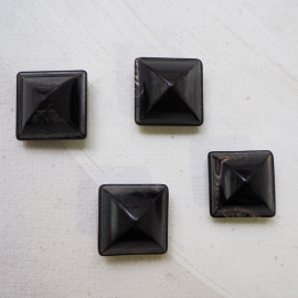 Square Horn Design Button 22mm