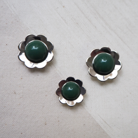 Green Metal Fancy Vintage Pop Flower Buttons 17-21mm