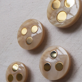 Beautiful Button Jewel Beige Gold Paco 21-26-30mm