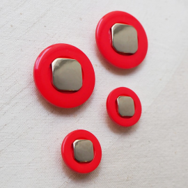 Red Orange Silver Button 70s Pop 20-31mm