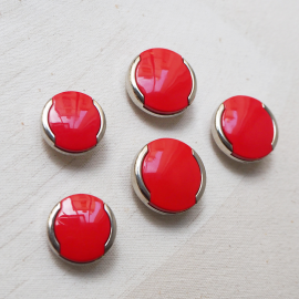 Seventies Red Silver 22-28mm Button