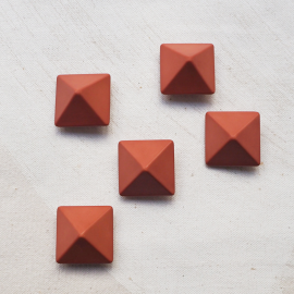 Square Button Pyramid Old Rose 25mm