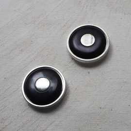 Design button 70s graphic black silver 30mm