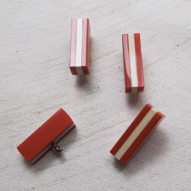 Rectangle Design Button Red White 27mm