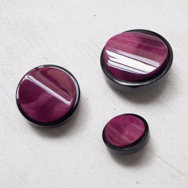 Jewelry Button Black Gala Plum 22-26-30mm
