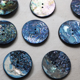 Design Button Iridescent Blue Pearl 45mm