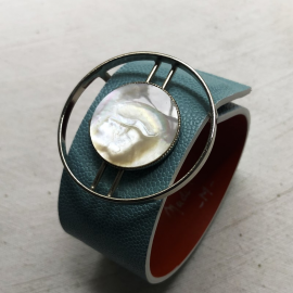 Blue Mother of Pearl 70s Circle Jewel Bracelet