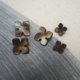 Tawny Puzzle button 11-16mm