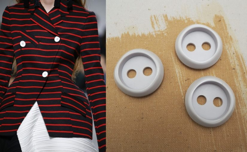 Colored and pop buttons: wake up your look